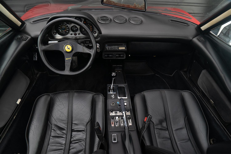 Ferrari 308 GTS 1978 interior