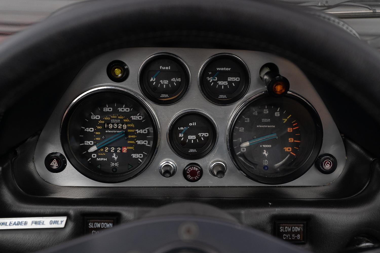 Ferrari 308 GTS 1978 painel
