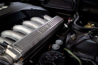 1995-bmw-750-i-the-garage-a-venda