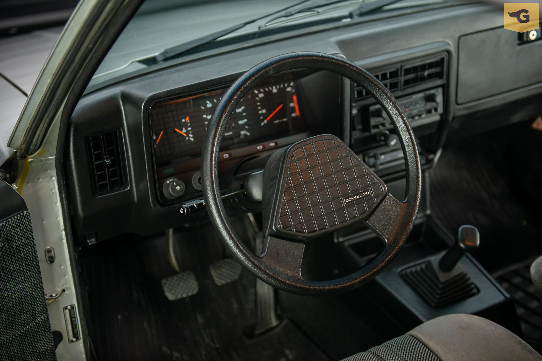 1986-opala-comodoro-prata-a-venda-sao-paulo-sp-for-sale-the-garage-classicos-a-venda-loja-de-carros-antigos-29