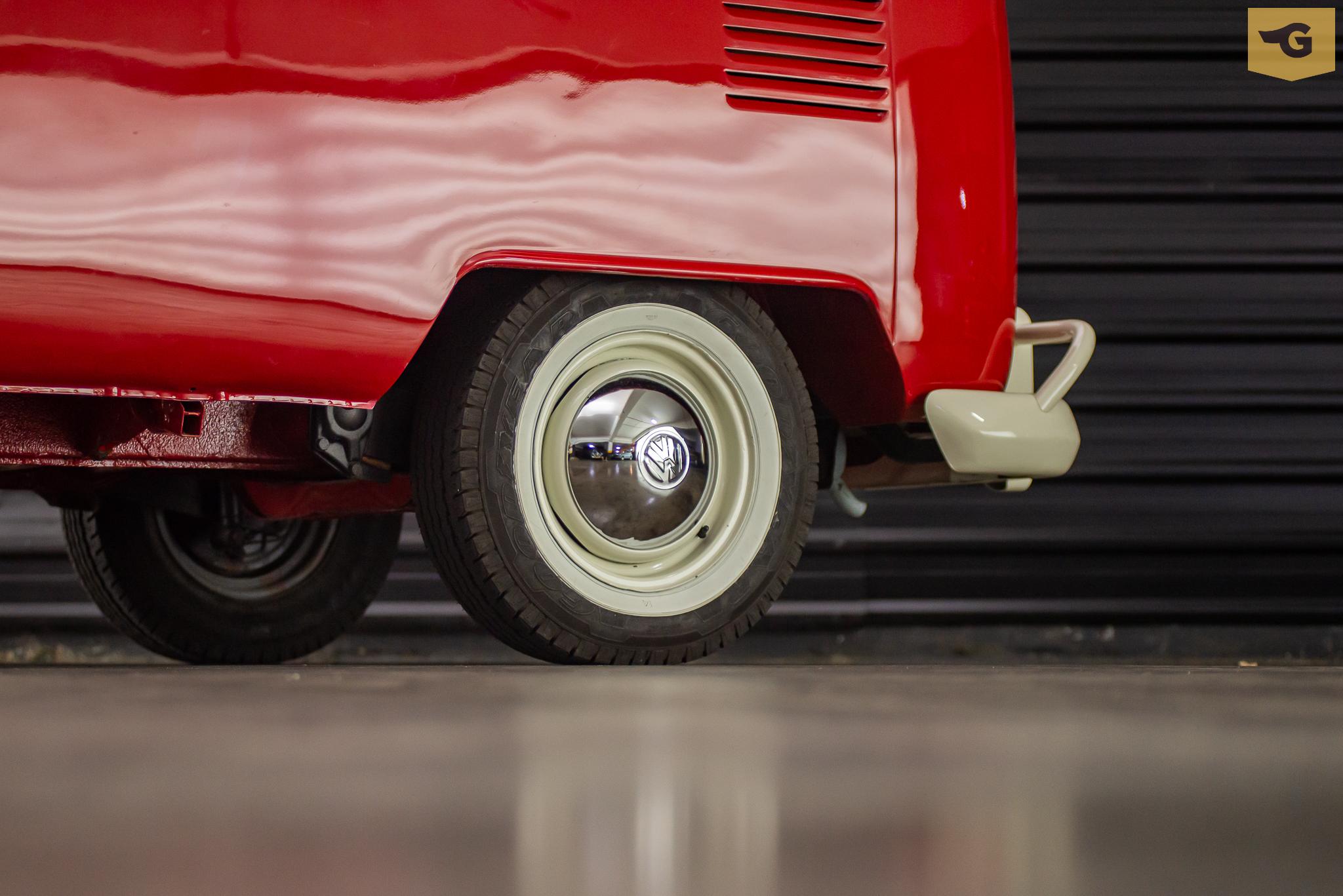 1974-kombi-a-venda-sao-paulo-sp-for-sale-the-garage-classicos-a-venda-loja-de-carros-antigos-2