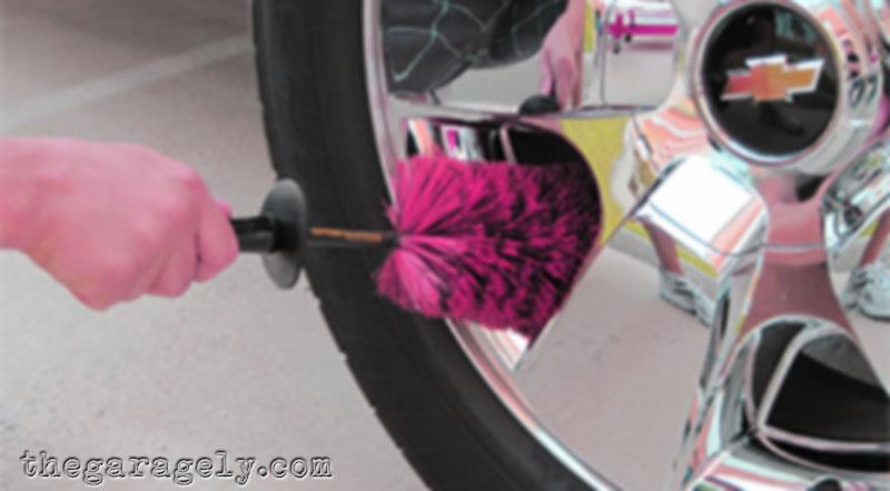 cómo limpiar las llantas de cromo con lana de acero