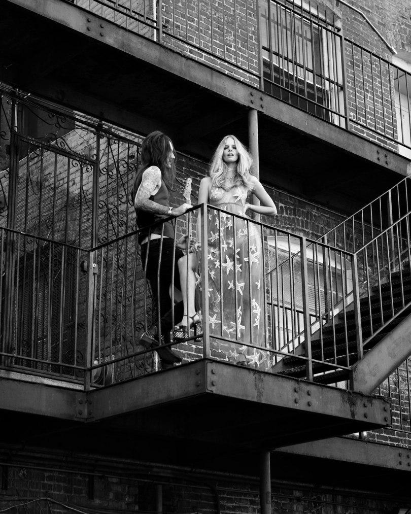 The_Garage_Starlets_Marloes_Horst_Jan_Welters_Vogue_Netherlands_June_2015_06