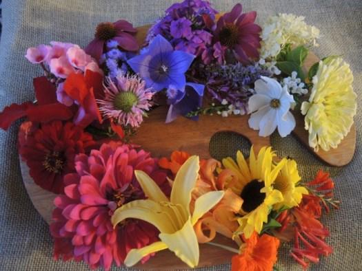 Edible palette of flowers