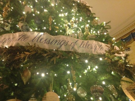 The Blue Room tree had sayings from the Constitution on the garland, picture from Linda Foley Vodney