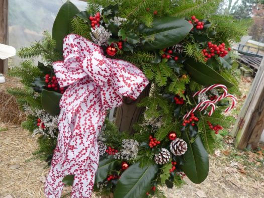 I love the red and white scheme of this wreath