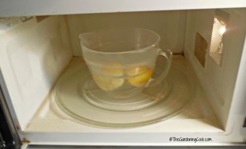 cleaning a microwave with lemons