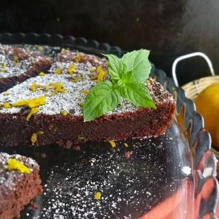 3 ingredient Chocolate Orange Cake