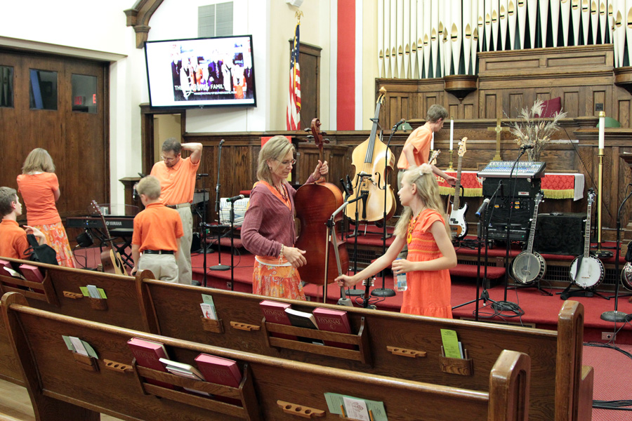 Setting up after Neillsville at Wesley United Methodist Church, Marshfield, WI