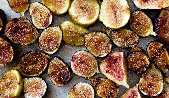 Grilled Figs with Creme Fraiche and Chestnut Honey-8
