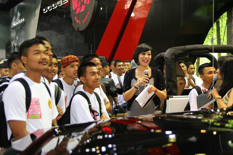 Chrysler Indonesia IIMS 2014 b