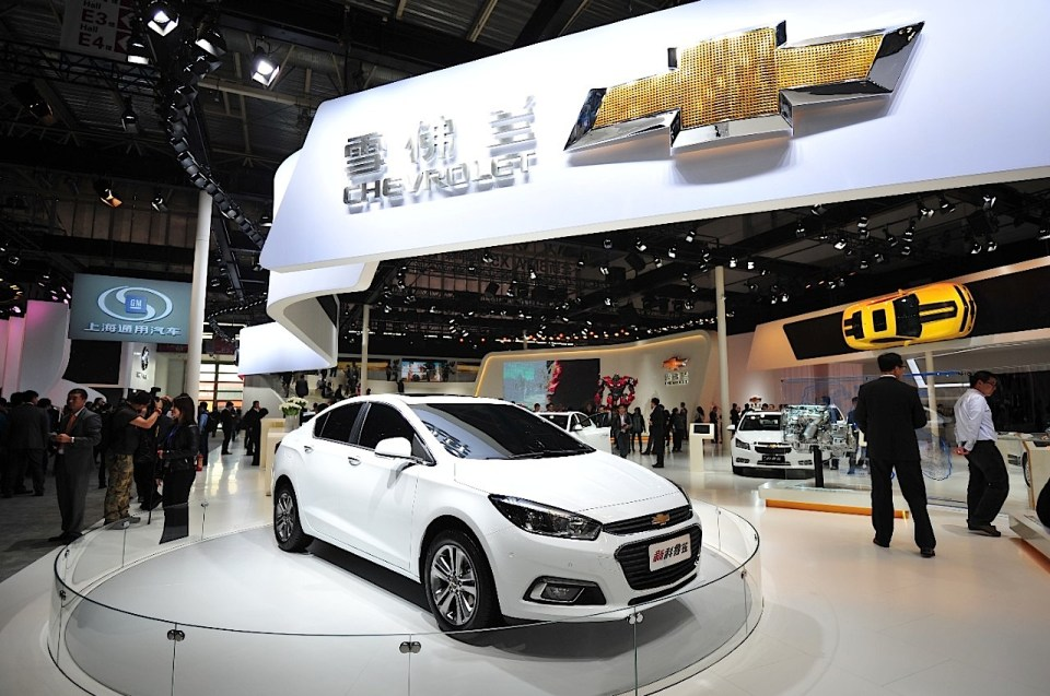 chevrolet-builds-1-milionth-us-spec-cruze-upgrades-factory-for-next-gen-model-video-photo-gallery-80773_3