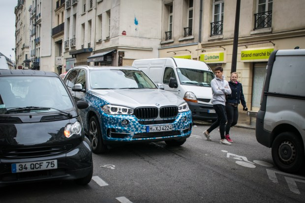 bmw-x5-edrive-concept-goes-for-a-stroll-in-paris_1