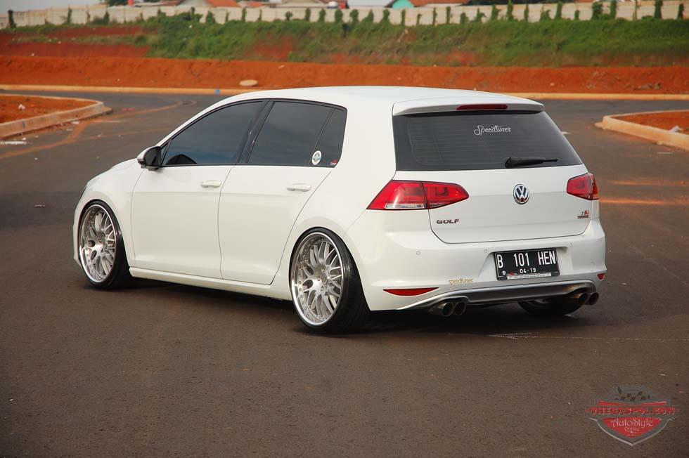 VW Golf MKII 2