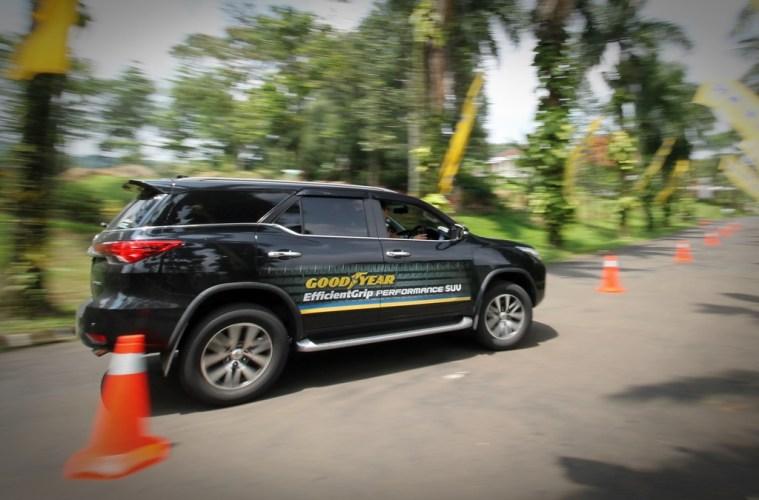 Goodyear EfficientGrip Performance SUV 07 (Day 2) (4)