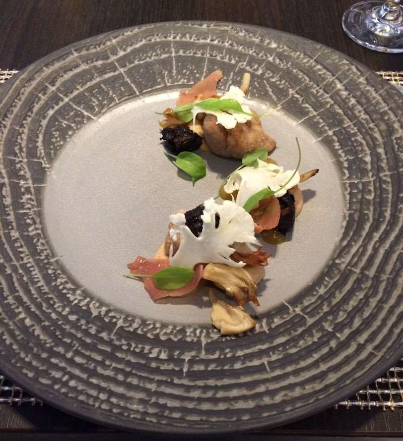 Veal sweetbreads, with cauliflower shavings