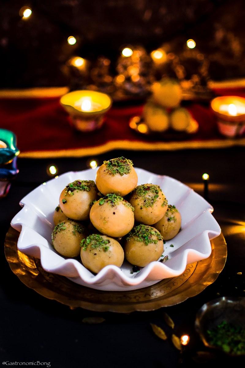 Besan Ke Ladoo    Diwali besan ladoo