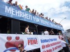 "It reads ""Majority for Diviersity: You have the choice/vote!"" And: ""Hamburg Pride demands full legal equality for Homo-, Bi- and Transsexuals"""