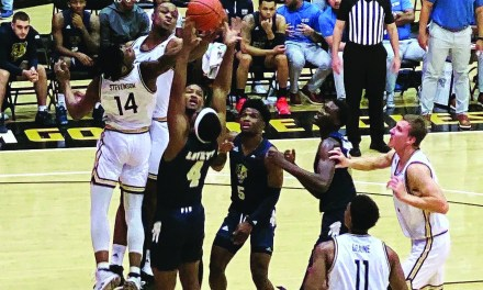USM Splits With Miners on Court