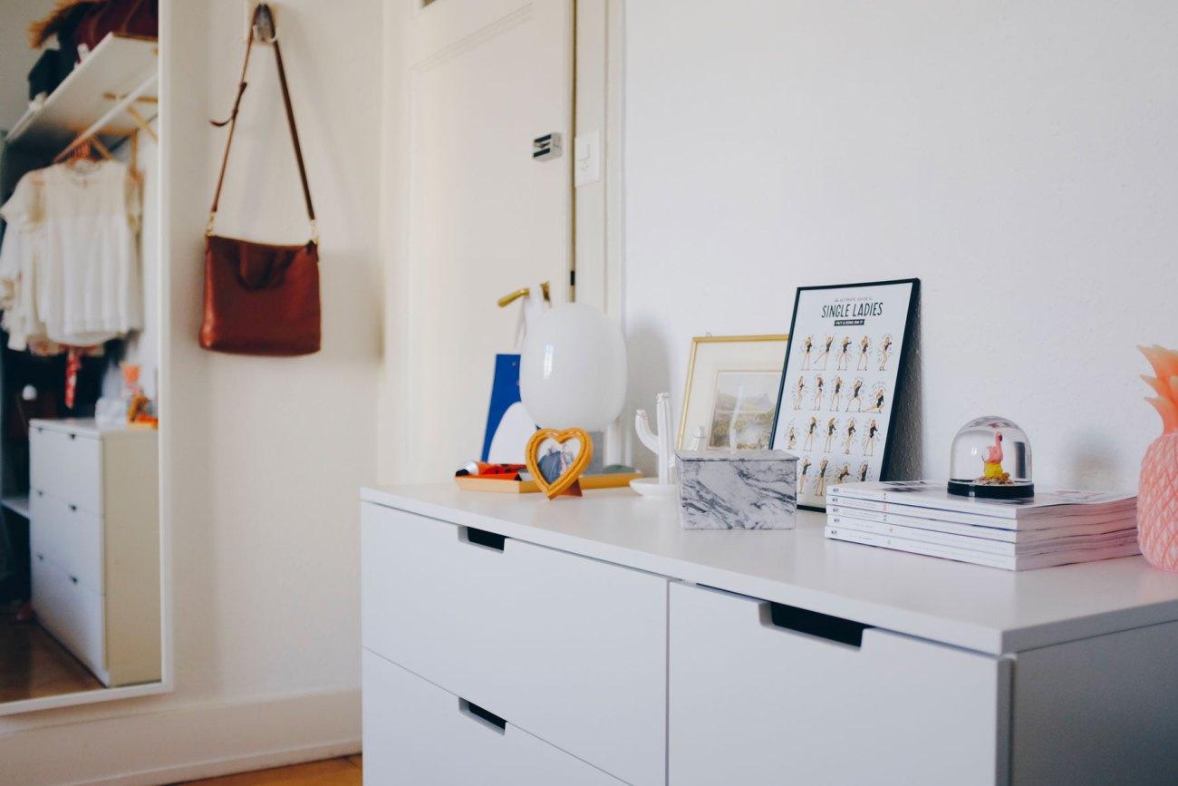 Open wardrobe DIY - cupboard and mirror