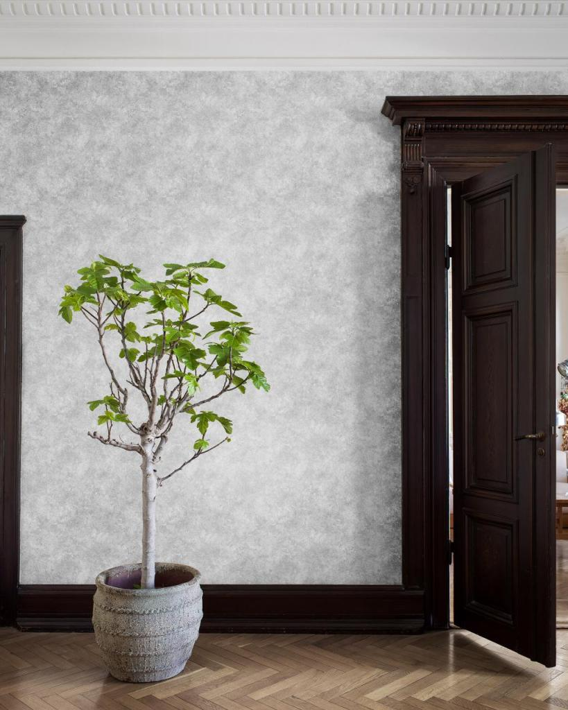 Decorating with wallpaper Engblade co royal silver