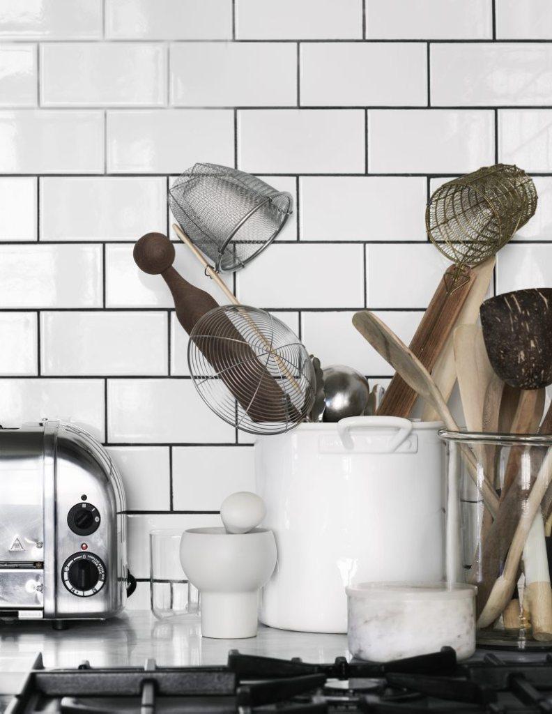 kitchen metro tiles details