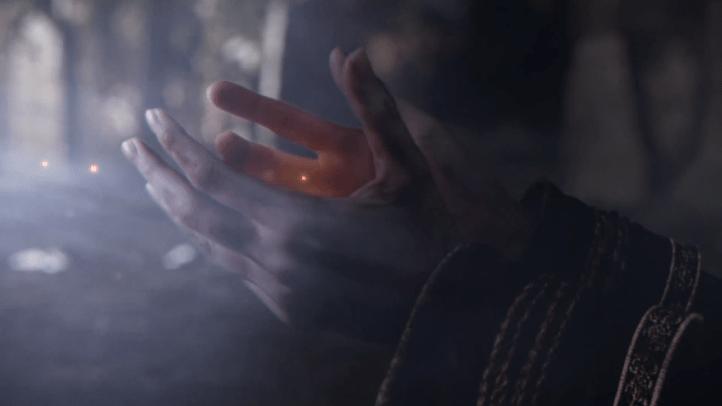 Dark Souls screenshot with fading embers - existentialist philosophical analysis of Dark Souls - FromSoftware - existentialism, Jean-Paul Sartre, Albert Camus, Friedrich Nietzsche