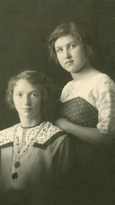 HUBAND, Blanche and Louise Willis