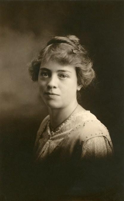 Estella Larsen