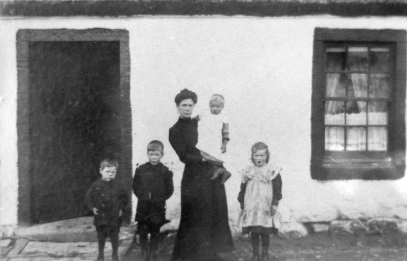 Catherine Brown b 1874, and children