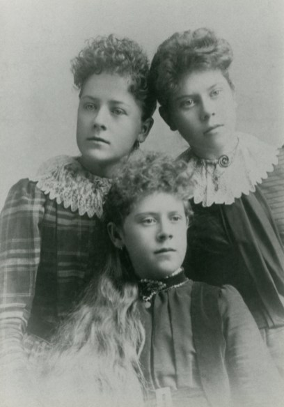 FOLKMAN, Jane Zina Petrina with two sisters, lighter
