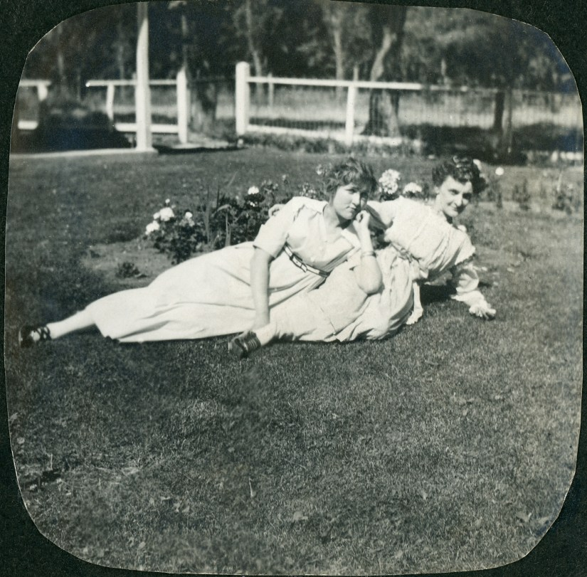 BEA1, img 4, Blanche & --- Campbell (Isaac's sister), July 1915
