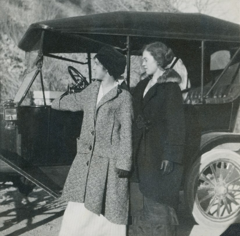 BEA1, img 34, Blanche and Hattie, 1914
