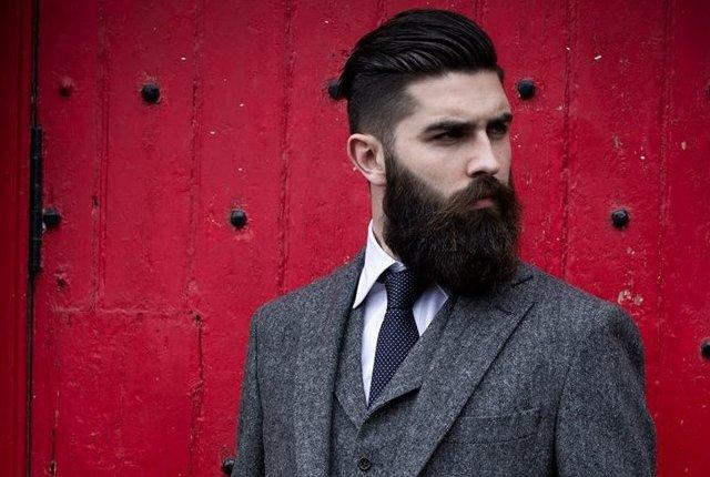 Farsi crescere la barba perfetta e curarla