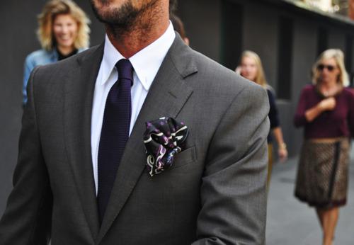 Pochette uomo, come indossare il fazzoletto da taschino
