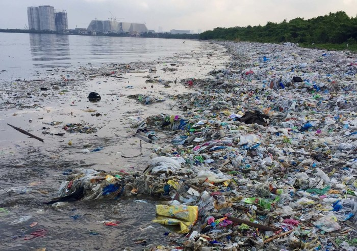 Plastic destroys the environment
