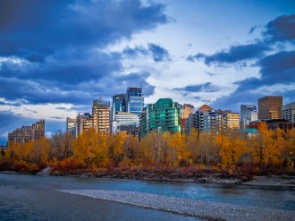 Downtown-Calgary-fall-colour