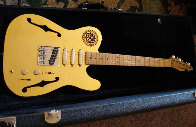 Goldcaster- Altın Kaplama Gitar
