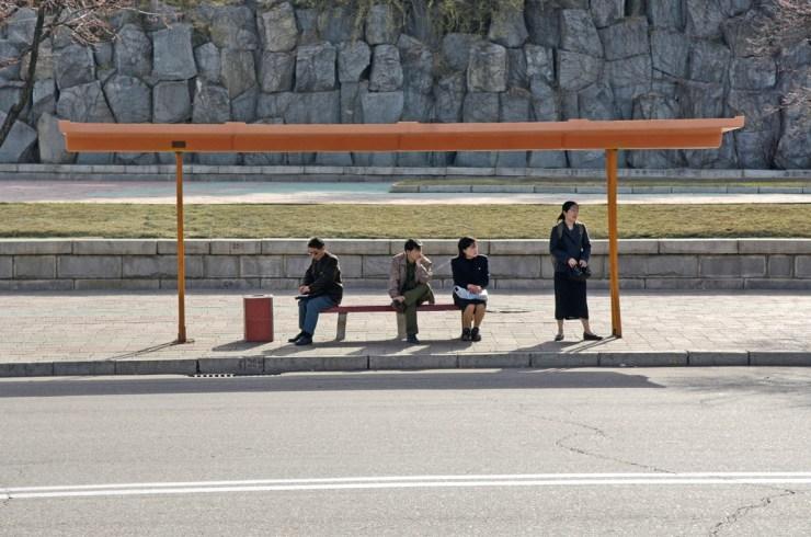 Kuzey Kore, Otobüs Durağı