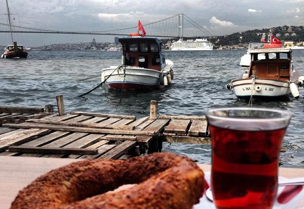 çengelköy-tarihi-çınaraltı-aile-çay-bahçes
