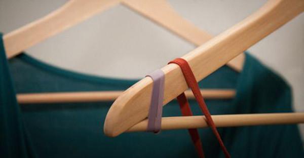 elbiselerin askıdan kaymasını önleme