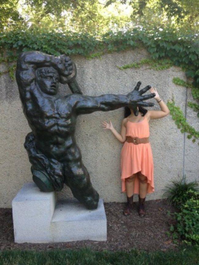 heykellerden dayak yiyen insanlar484