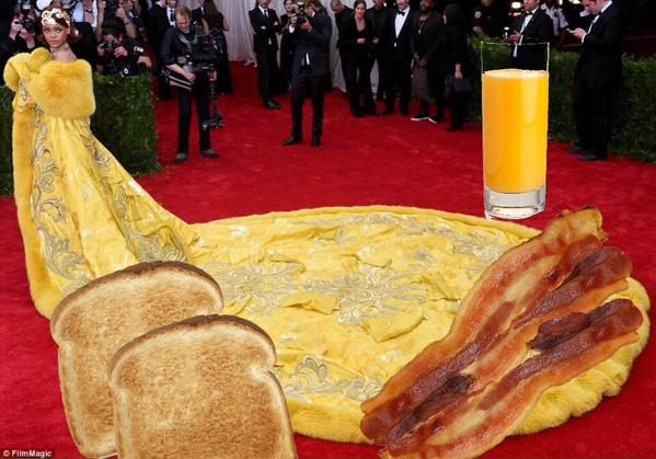 Rihanna kostüm geyikleri 5