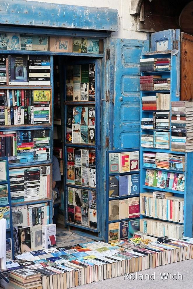 hikaye ile kitap satan adam