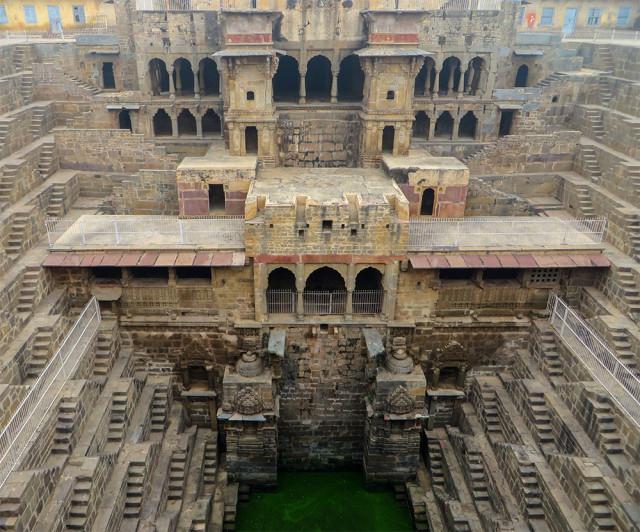 Victoria Lautman hindistan su yapıları ilginç binalar1
