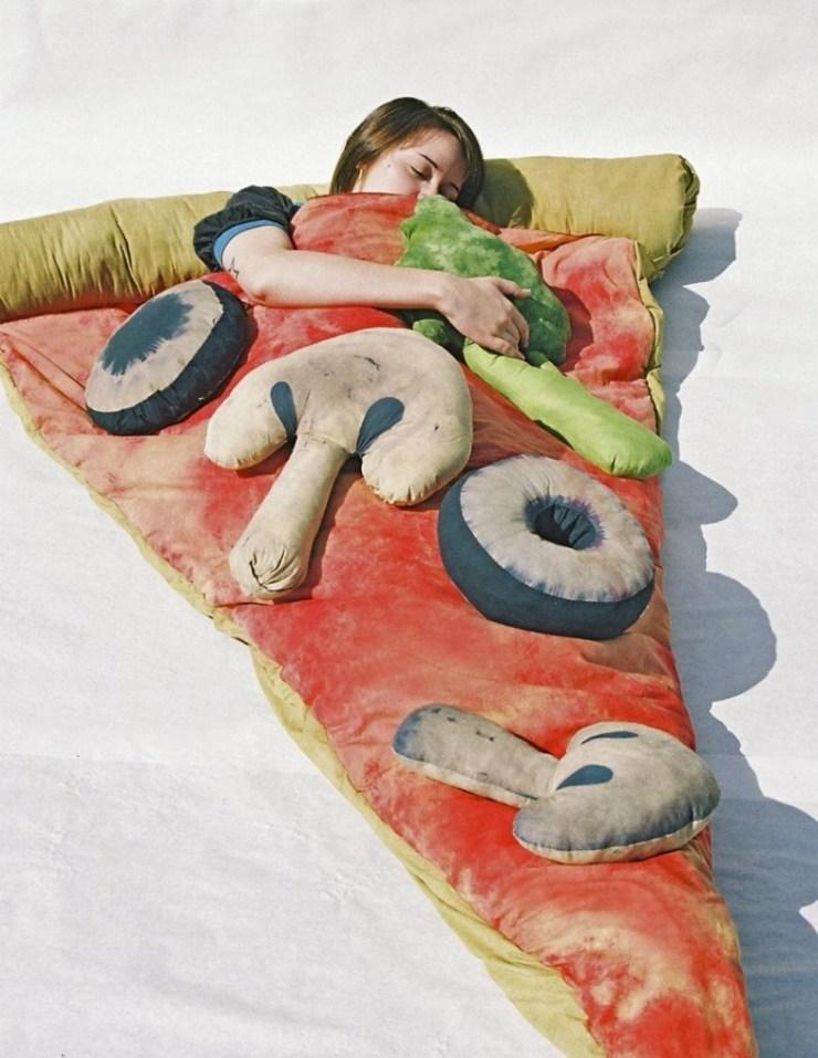 Pizza şeklinde uyku tulumu