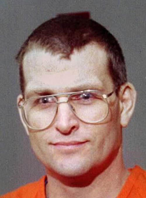 Seri katillerin yaptığı resimler 1