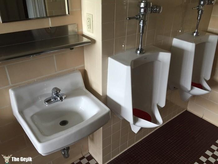 İlginç komik banyo ve tuvaletler 9