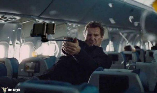 guns-replaced-with-selfie-sticks-5-573b19c369959__605