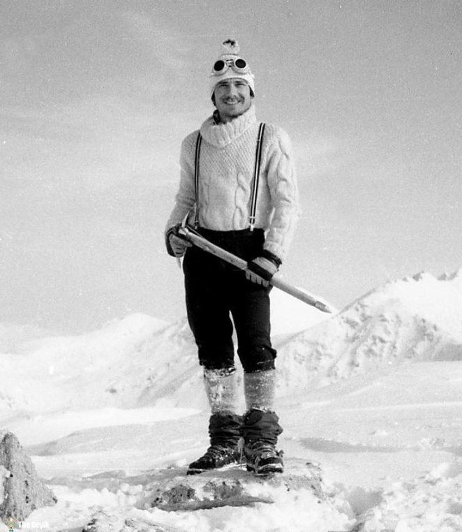 photos-of-mountain-hikes-in-communist-romania-876-982-1465925617